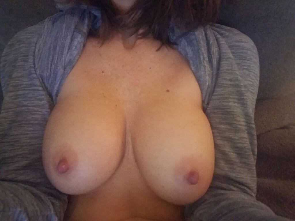 Latina amateur and her amazing breasts 26, Mexico