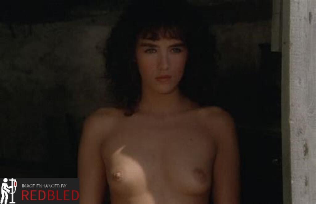 Linda Cardellini Boobs