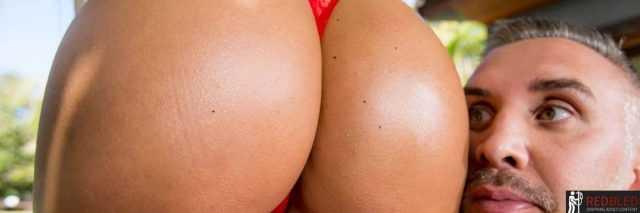 Top 20: Curvy & Thick Pornstars (2021)